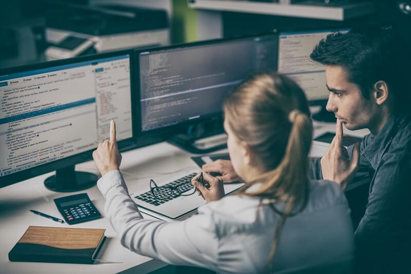[Khái niệm] Developer là gì? Những kỹ năng cần có của một Developer – 2021