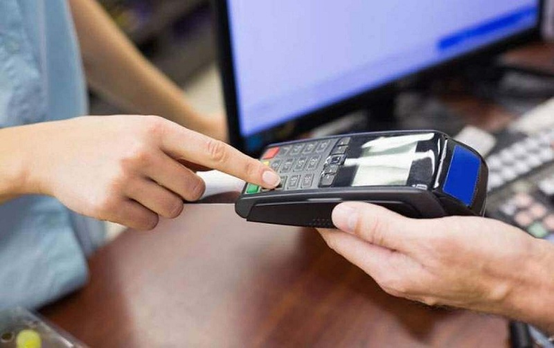 Những lưu ý cần biết khi tiến hành quẹt thẻ qua máy pos là gì
